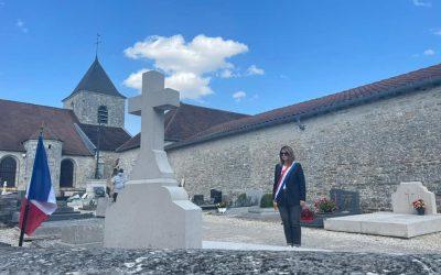 Moment de recueillement sur la tombe du Général de Gaulle